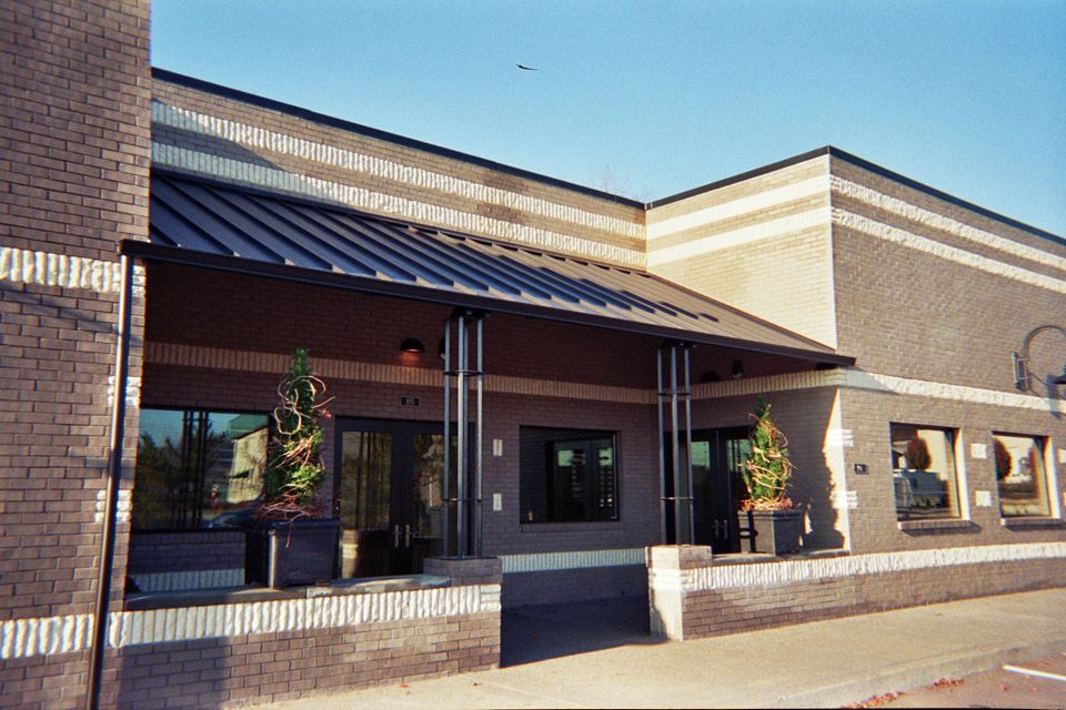 tn-franklin-retail-metal-building-standing-seam-brick